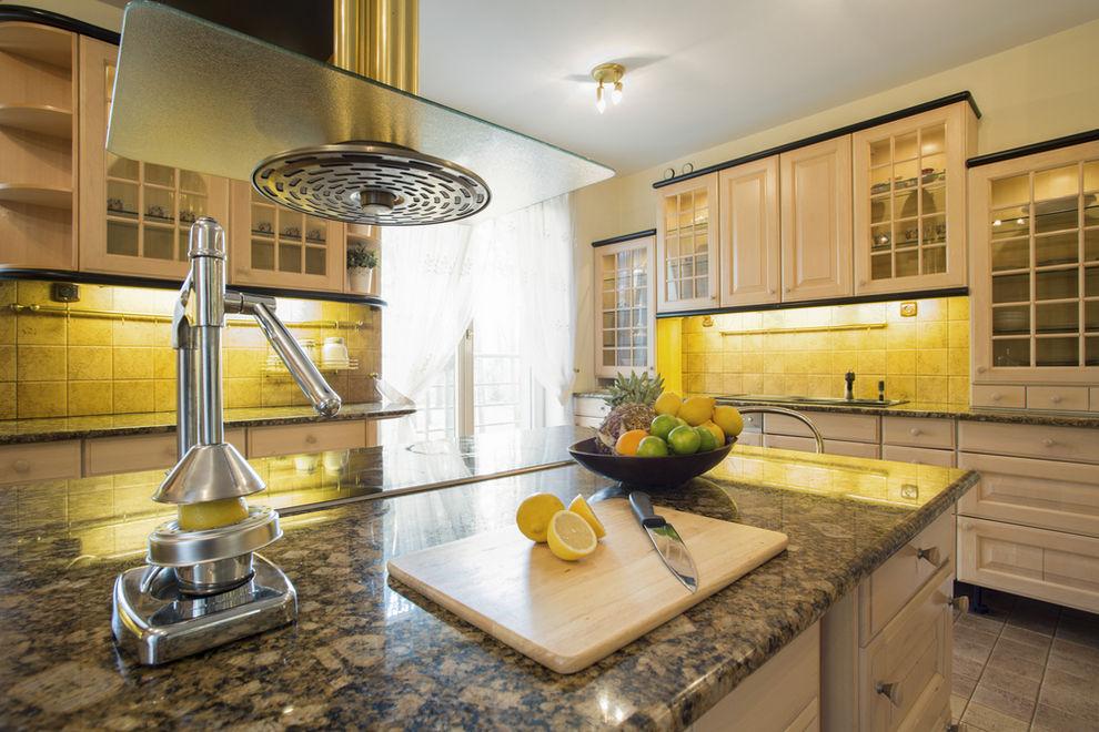Kitchen with granite countertops - 7 Best Kitchen Countertop Trends